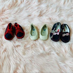 Other - Bundle baby shoes